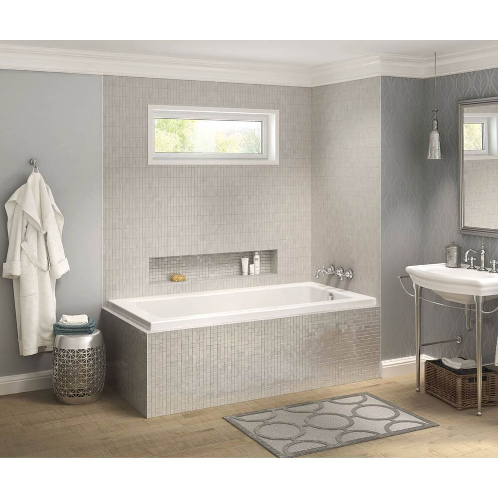 Maax Pose IF 71.5 in. x 41.625 in. Corner Bathtub with Right Drain in White